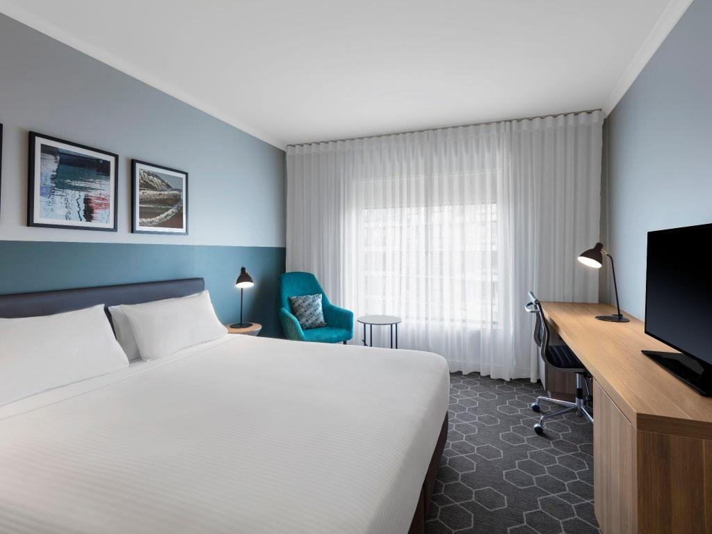 Guest Room King - Bed Vibe Hotel Rushcutters Bay Sydney