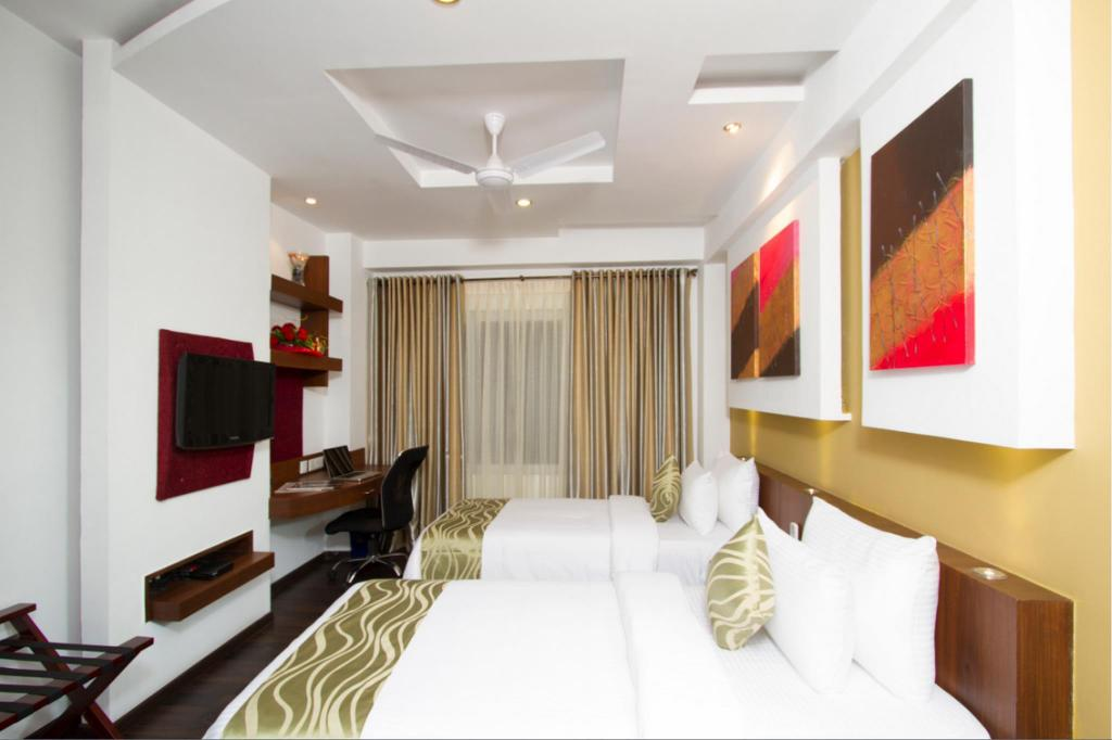 Deluxe Twin Beds Room - Guestroom Golden Tulip Bangalore Electronics City Hotel