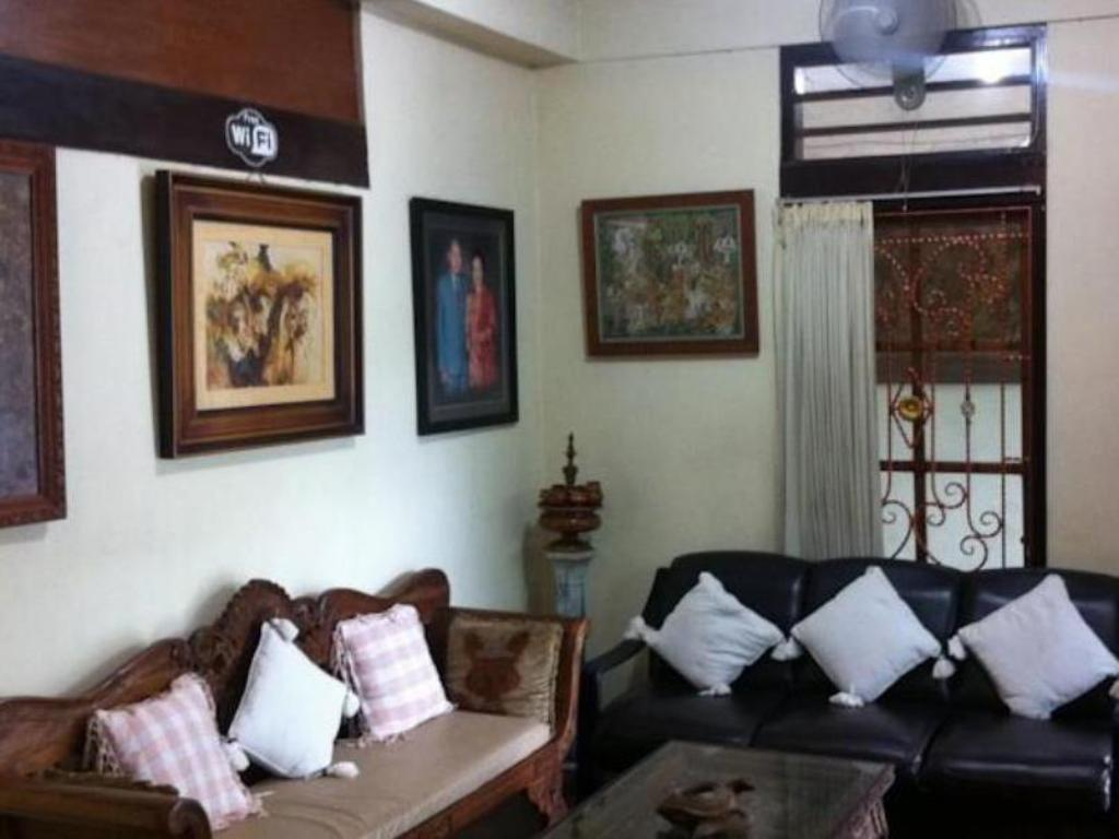 Interior view Puri Ayu Homestay