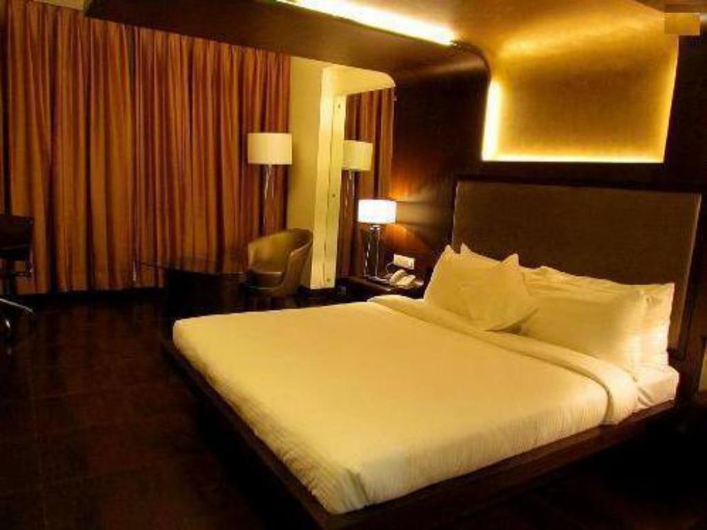 Club - Bed Cocoon Luxury Business Hotel