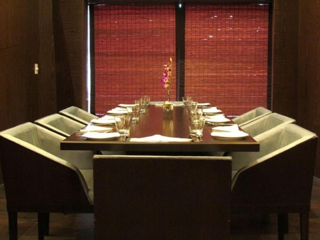 Restaurant Cocoon Luxury Business Hotel