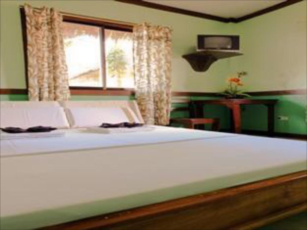 Standard For 2 - Bed Cool Waves Ranch and Water Park Resort