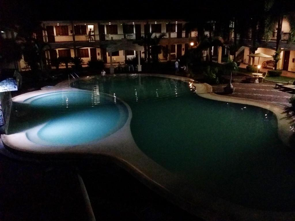 Best Price On Dotties Place Hotel And Restaurant In Butuan