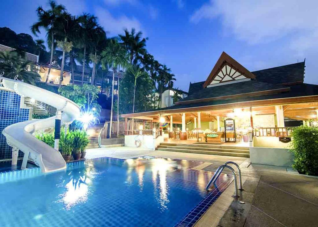Swimming pool Centara Blue Marine Resort & Spa Phuket