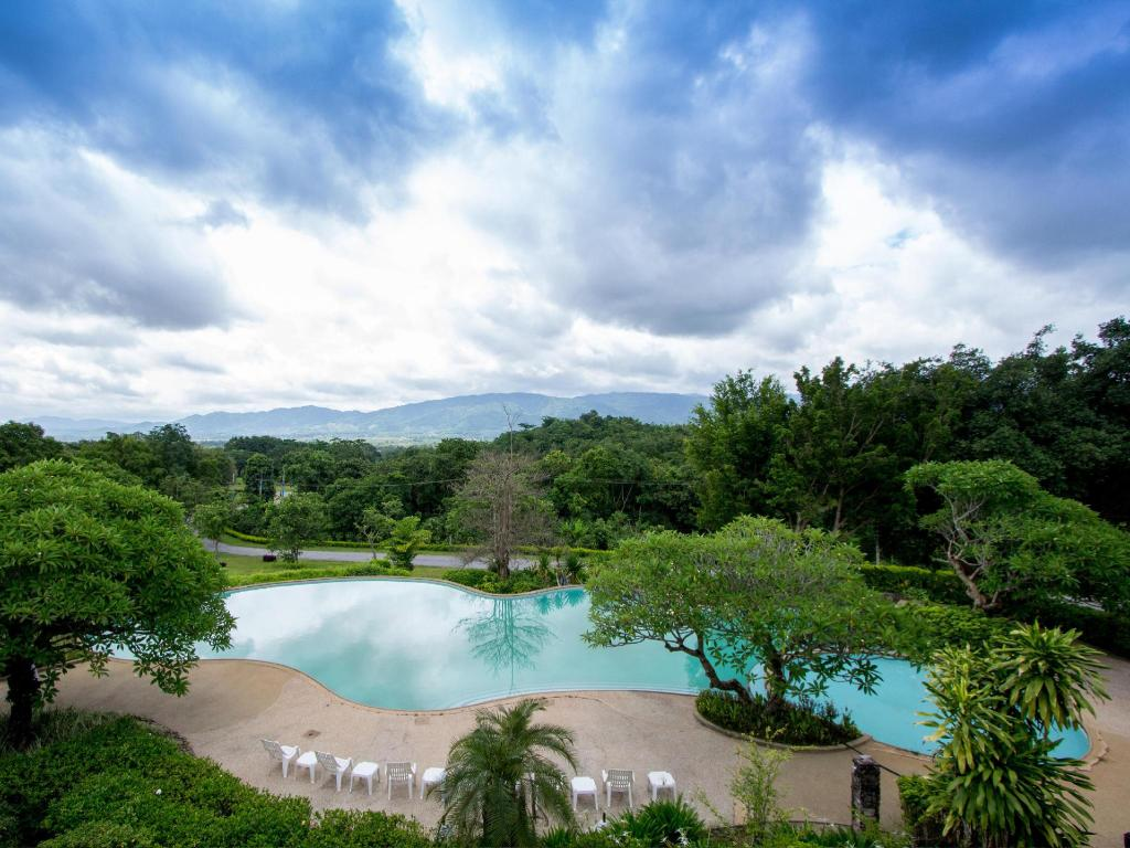 Swimming pool Waterford Valley Chiangrai Golf Course and Resort