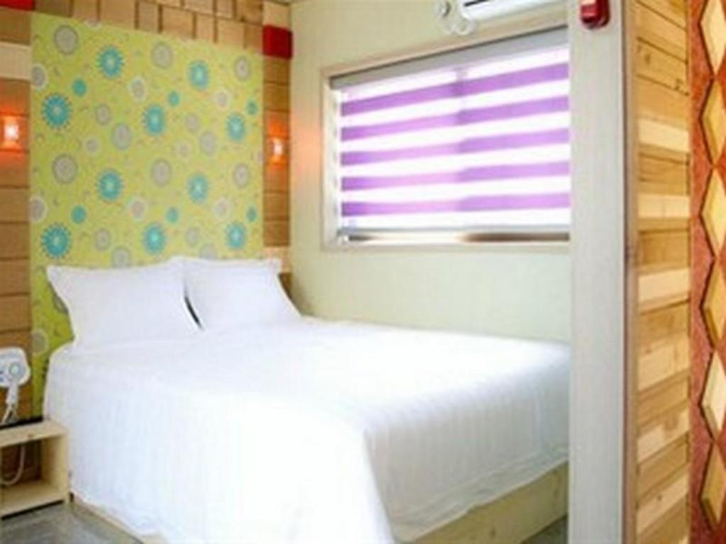 Standard Double Room Sea and Valley Pension