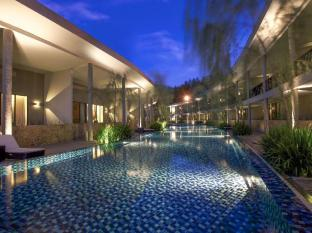Hotel Neo Plus Green Savana Sentul