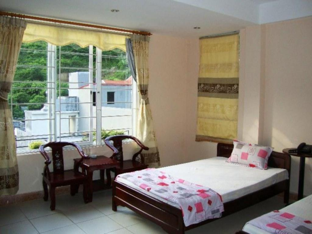 Twin Room - Guestroom Le Pont Hotel