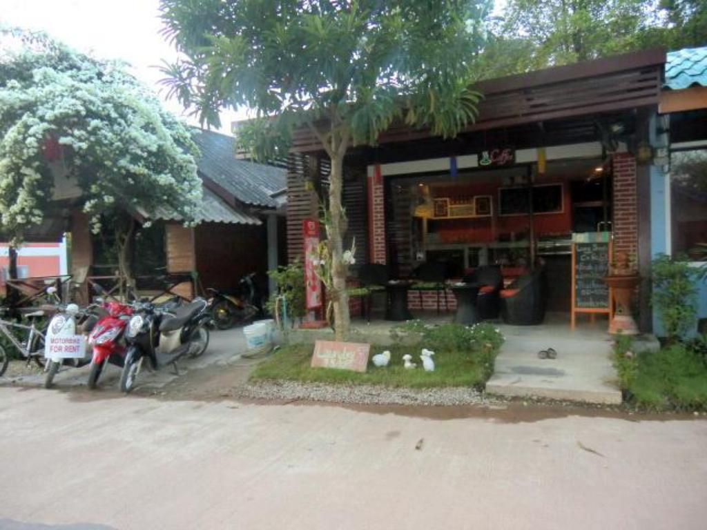 Coffee shop Baan Long Beach