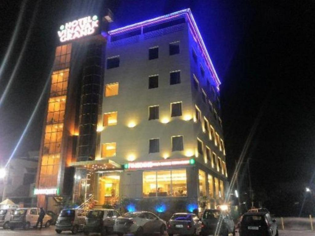 Hotel Vinayak Grand