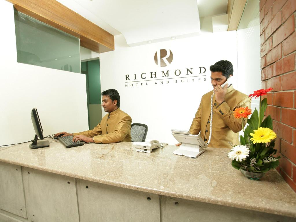Reception Richmond Hotel and Suites