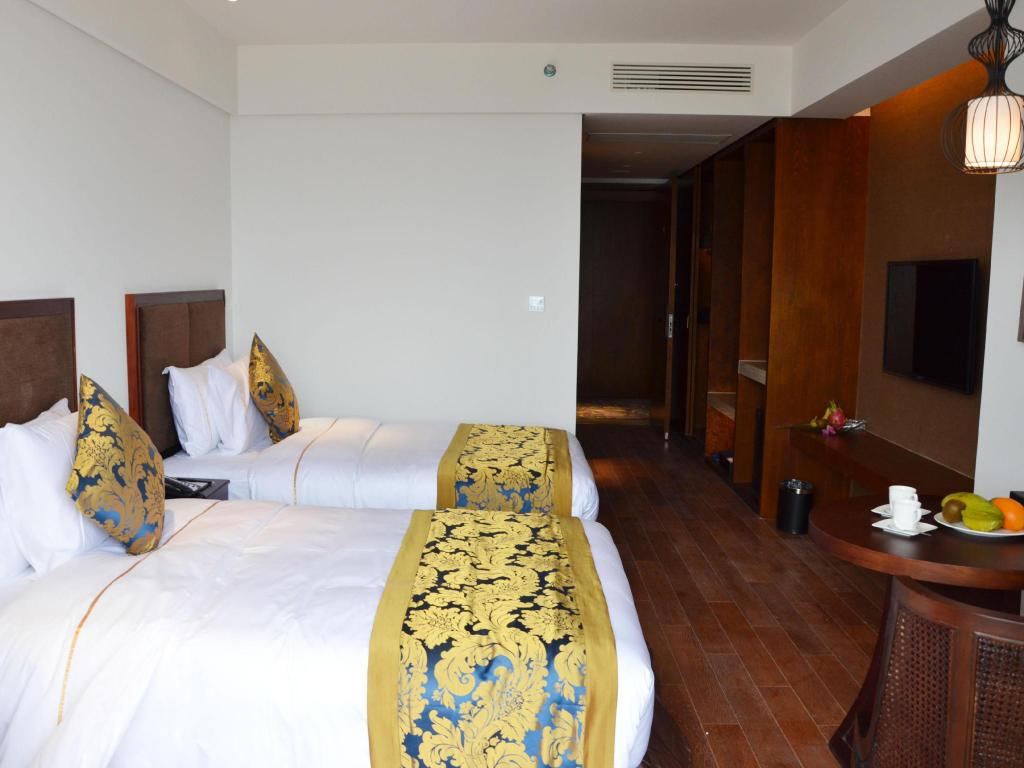 Deluxe Garden View Twin Bed Room Zhongzhou Intermega Hotel Lingshui