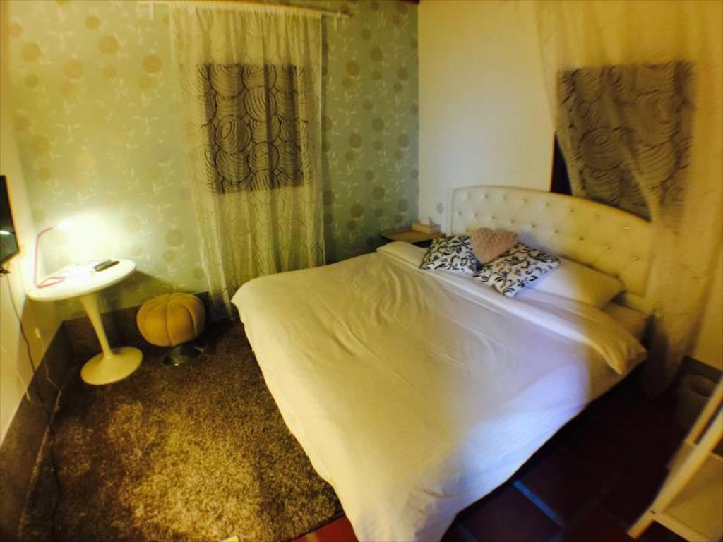 Double - Bed I-Shan B & B