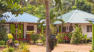 Hill Myna Beach Cottage