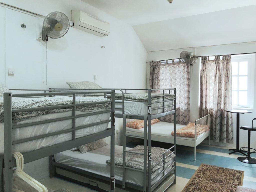 2 People in 8-Bed Dormitory - Mixed - Room plan