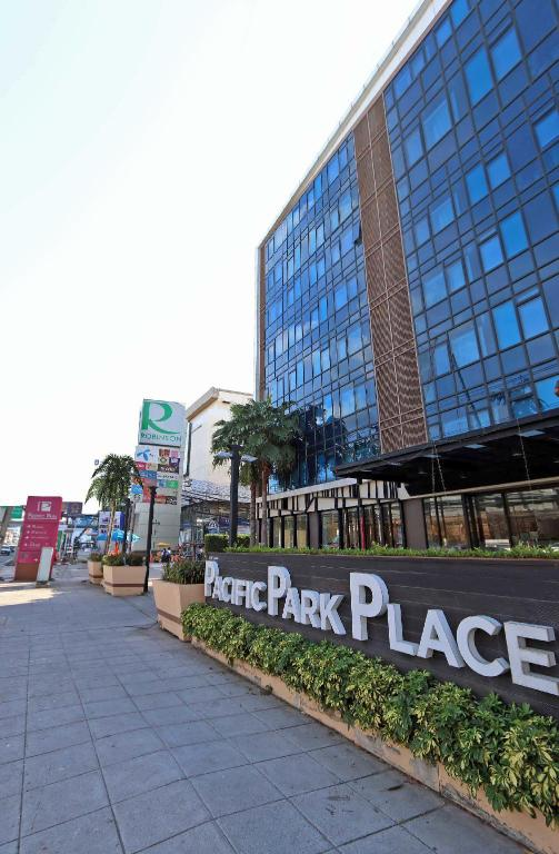 Pacific Park Hotel