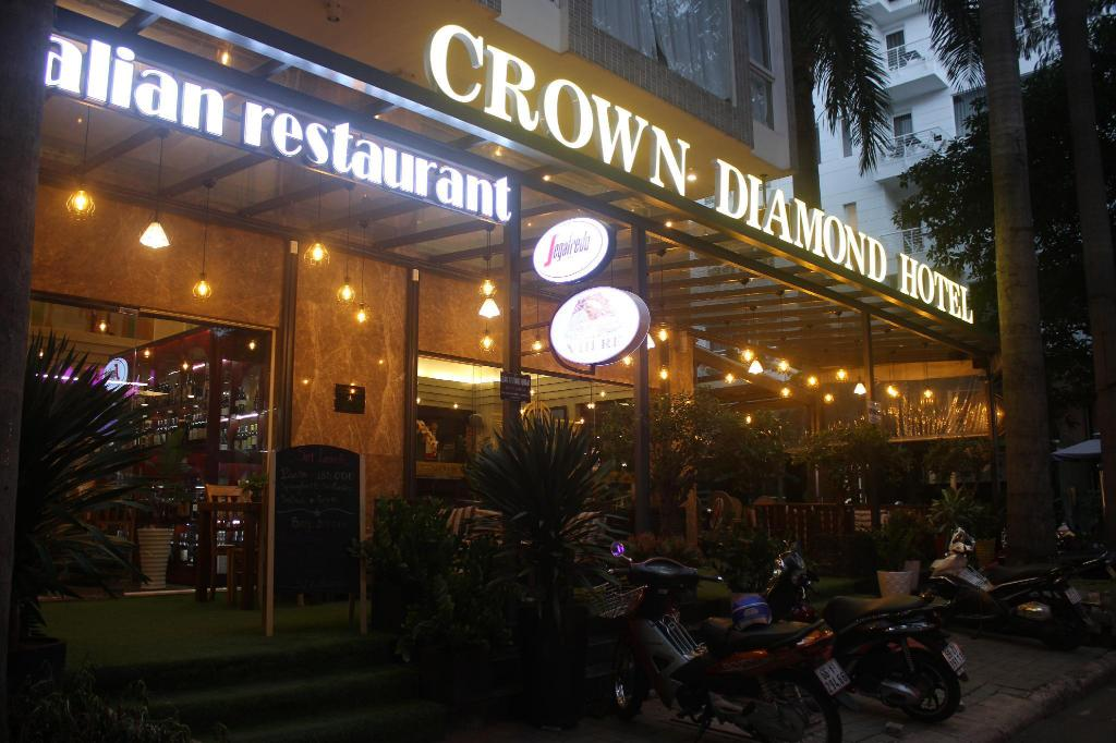 Crown Diamond Hotel Phu My Hung District 7