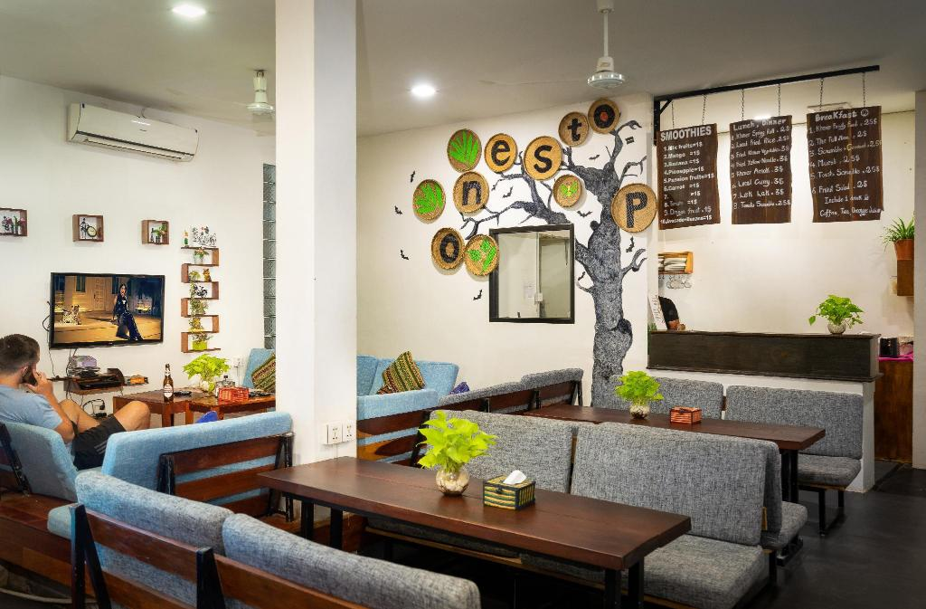 Лоби One Stop Hostel Siem Reap