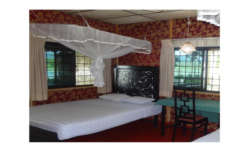 Single - 1 Person - Guestroom Safari Village Hotel