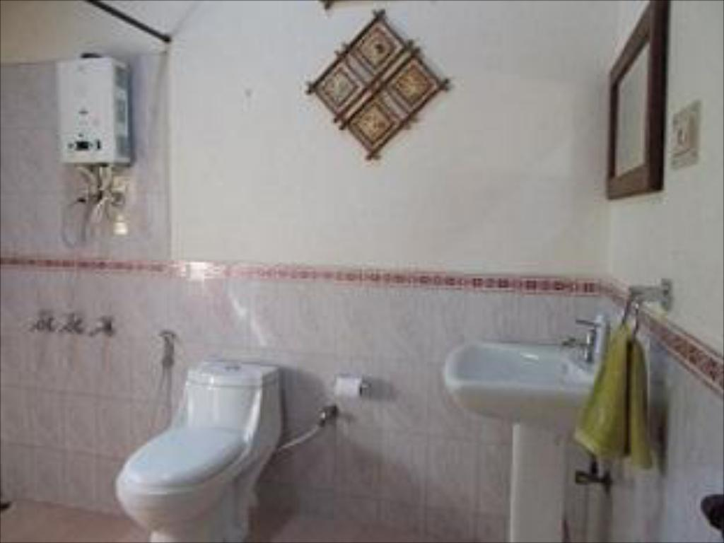 Bathroom BB Estate Homestay