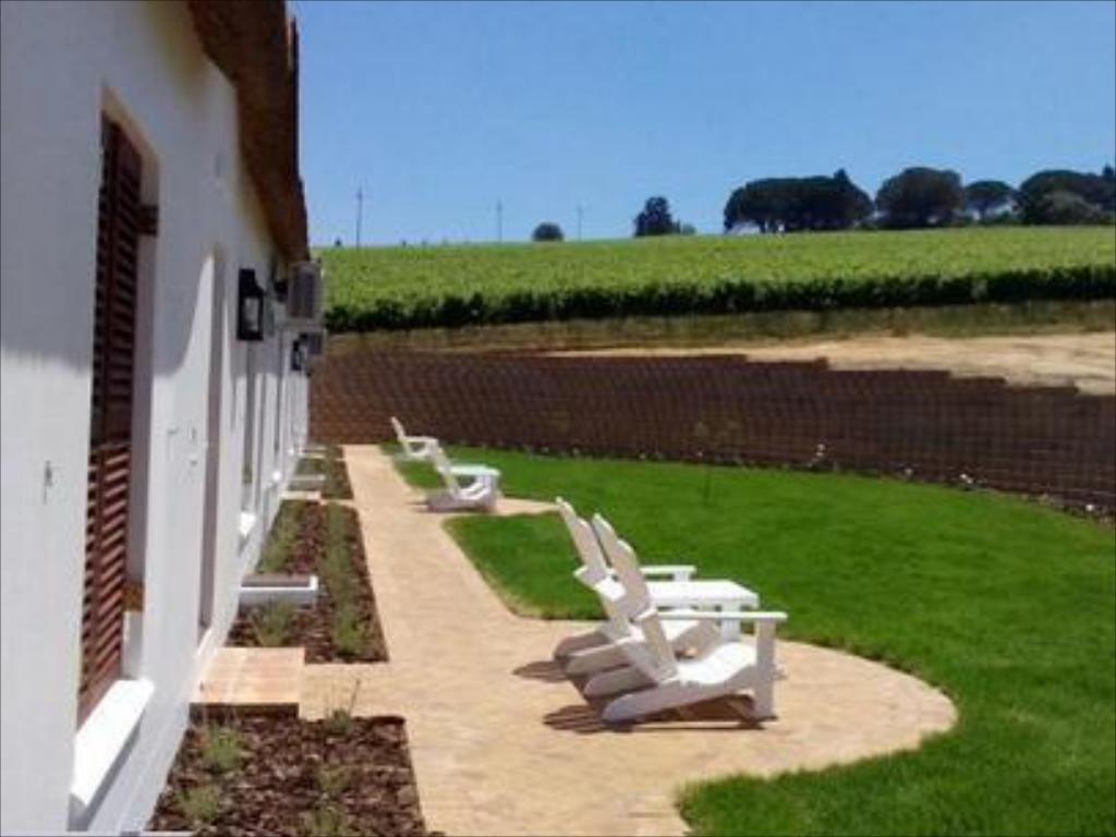 شرفة/ تراس ألديرينج فينياردز آند واين لاكشري لودجيز (Aaldering Vineyards and Wines Luxury Lodges)