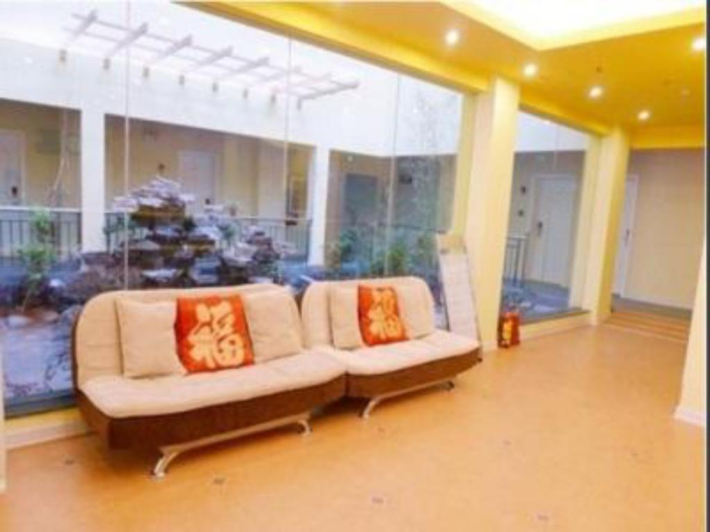 Lobby Home Inn Lijiang Fuhui Road