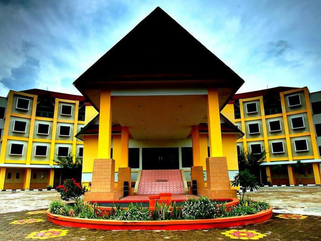 More about Sinjai Hotel