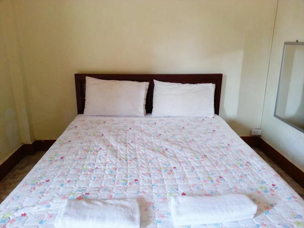 Standard Double Bed - Bed B and P Hotel