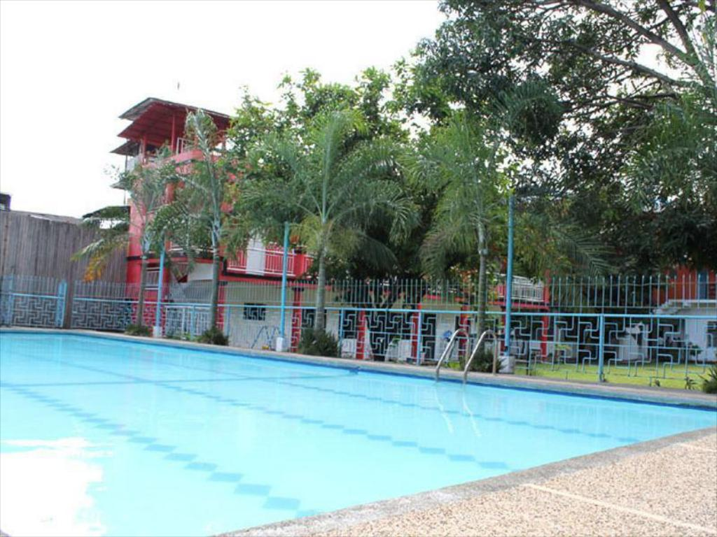 Swimming pool E-Mo Dormitory