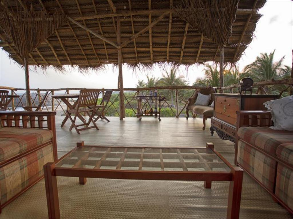 terraza The Beach Camp Yala