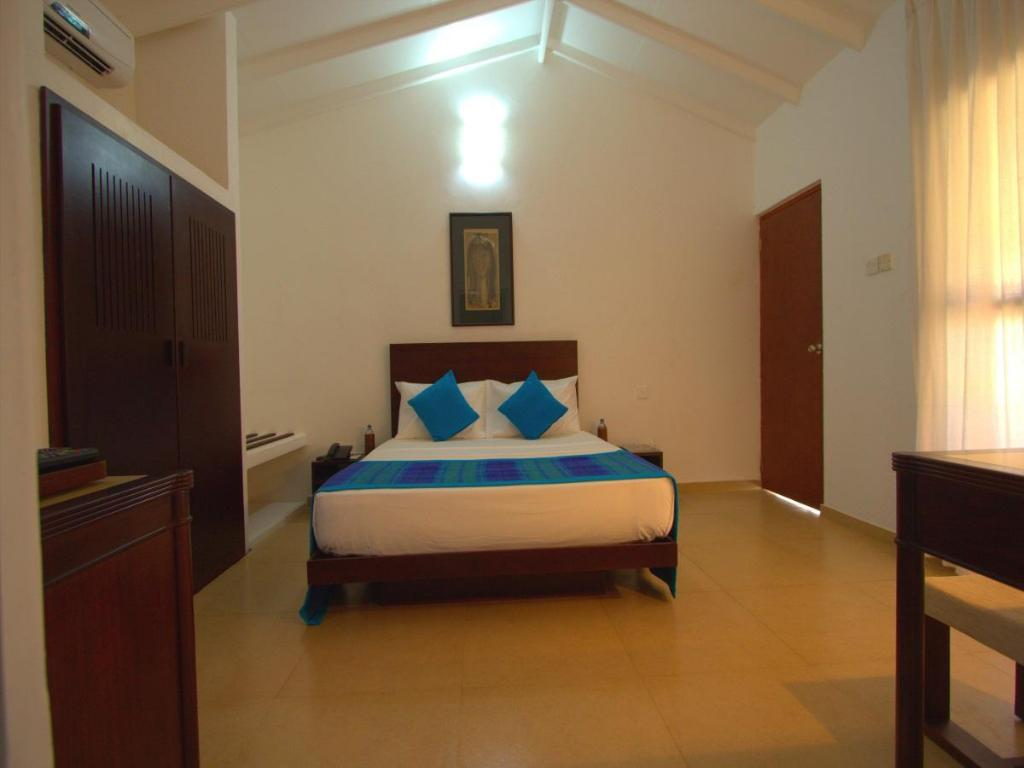 Standard Double Room with Garden View - Guestroom Amagi Beach - Secluded Slice of Paradise