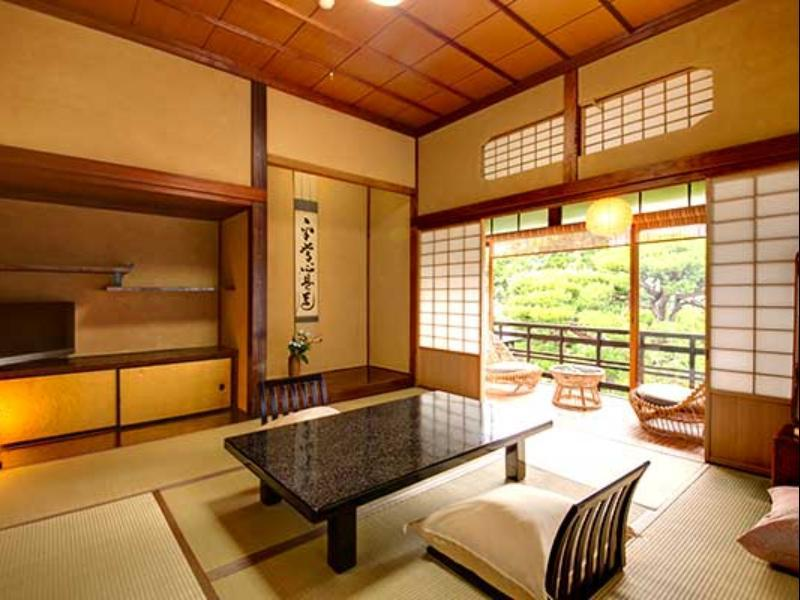 Japanese Style Anteroom Shared Bath No meal