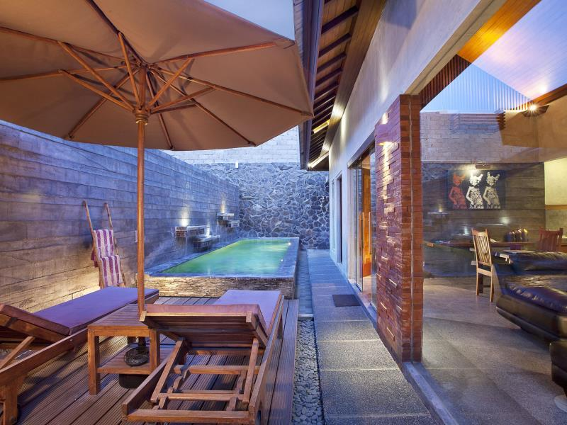 럭셔리 풀빌라  (Luxury Villa with Private Pool)