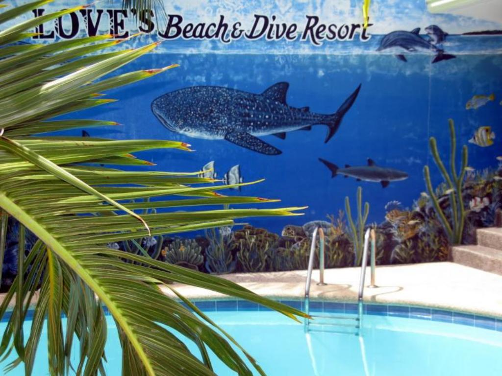 Piscina Loves Beach and Dive Resort