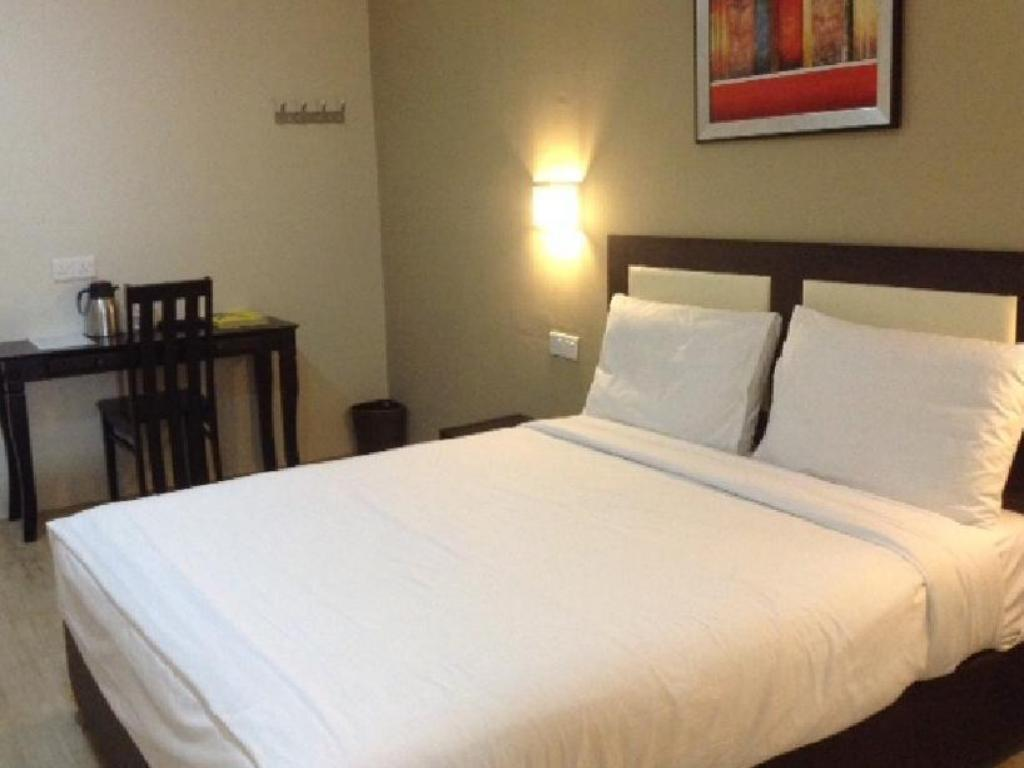 Double Deluxe without Window - Bed Biz Hotel Shah Alam