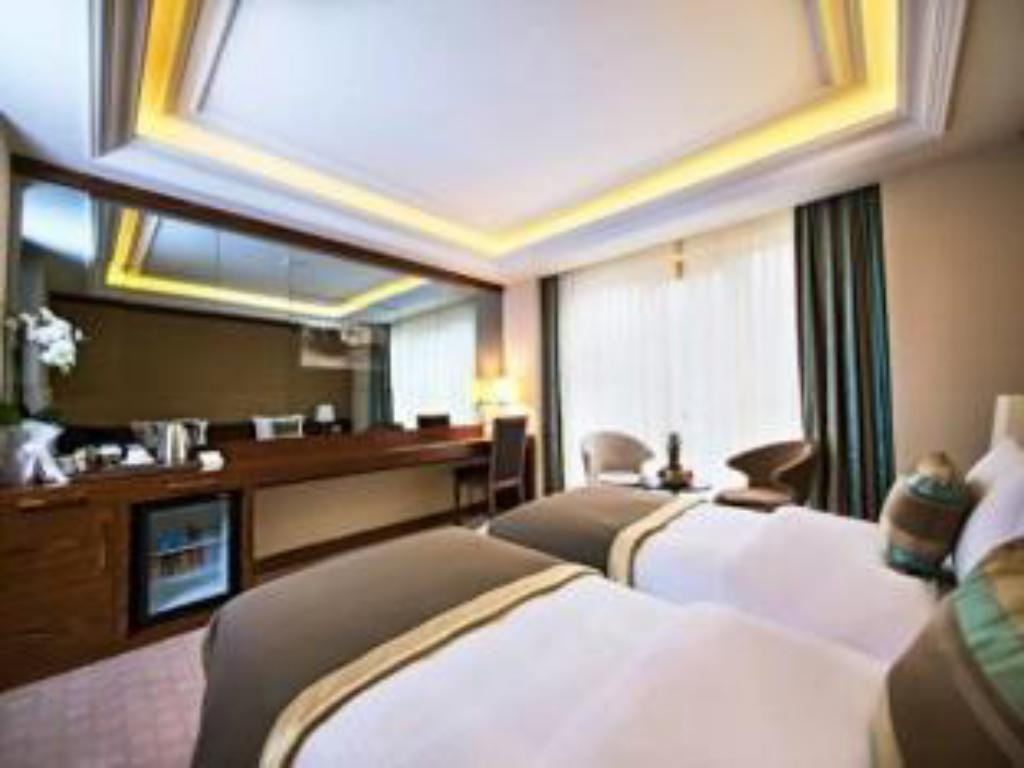 Standard Double Room - Guestroom Eurostars Hotel Old City