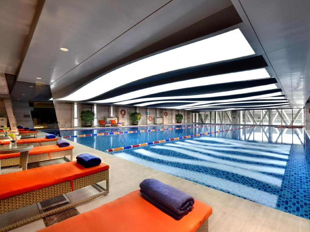 Swimming pool Howard Johnson Hi-Tech Plaza Chengdu