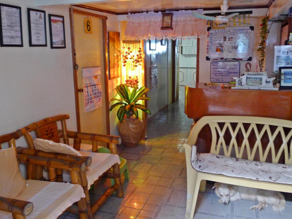 avla Relucio Travellers Pension