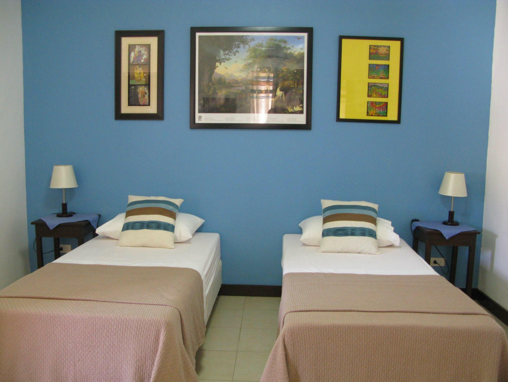 Continents Bed and Breakfast in Davao City - Room Deals