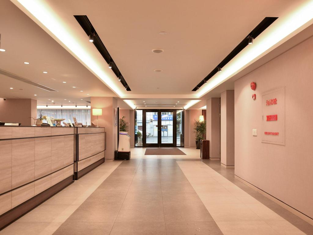 Lobby Home Inns Plus Shanghai Xujiahui Branch