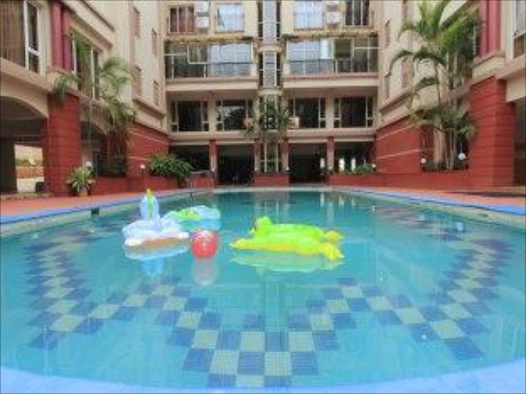 Swimming pool Leisure Vacations Mayur Emerald