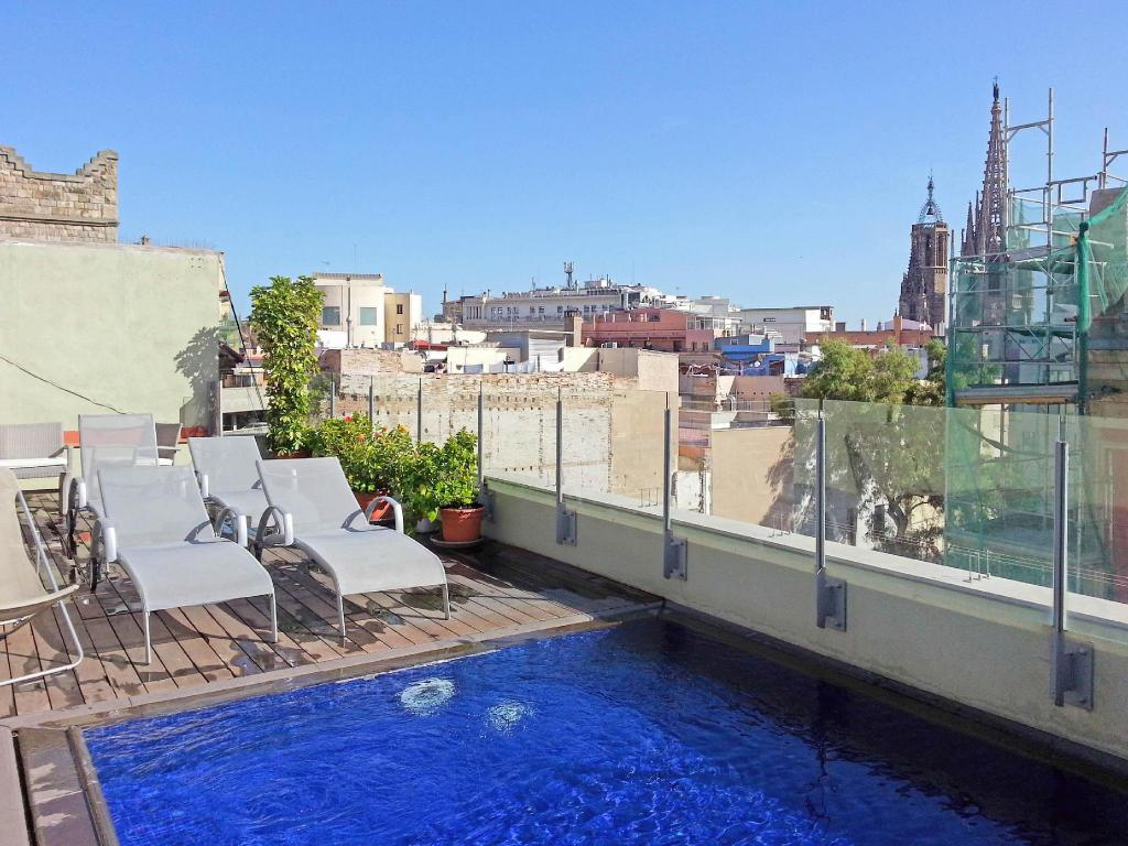 Swimming pool Catedral Bas Apartments