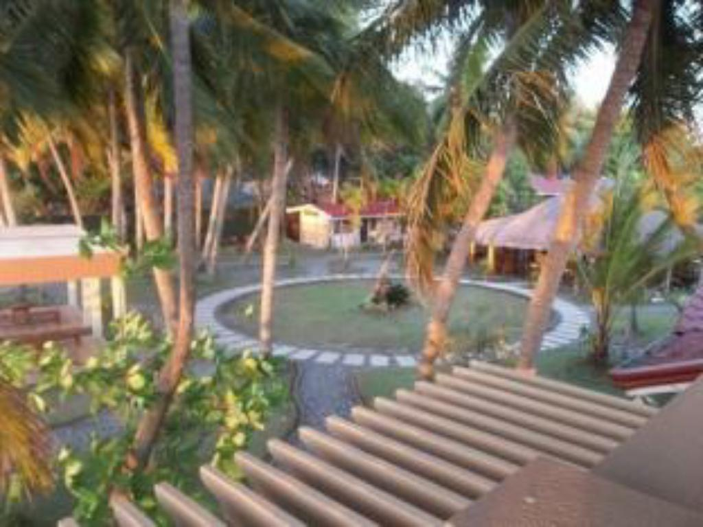 Hy Ripples Beach Resort