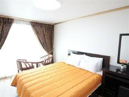 Standard Double Bed Room Hawaii Hotel Tongyeong