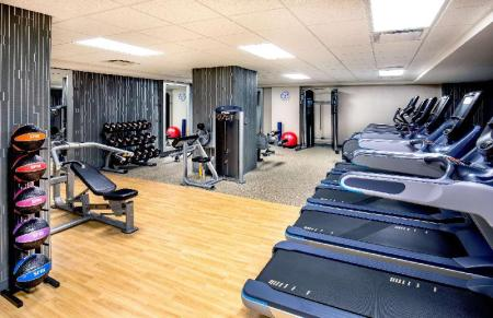 Fitness center DoubleTree by Hilton Youngstown Downtown