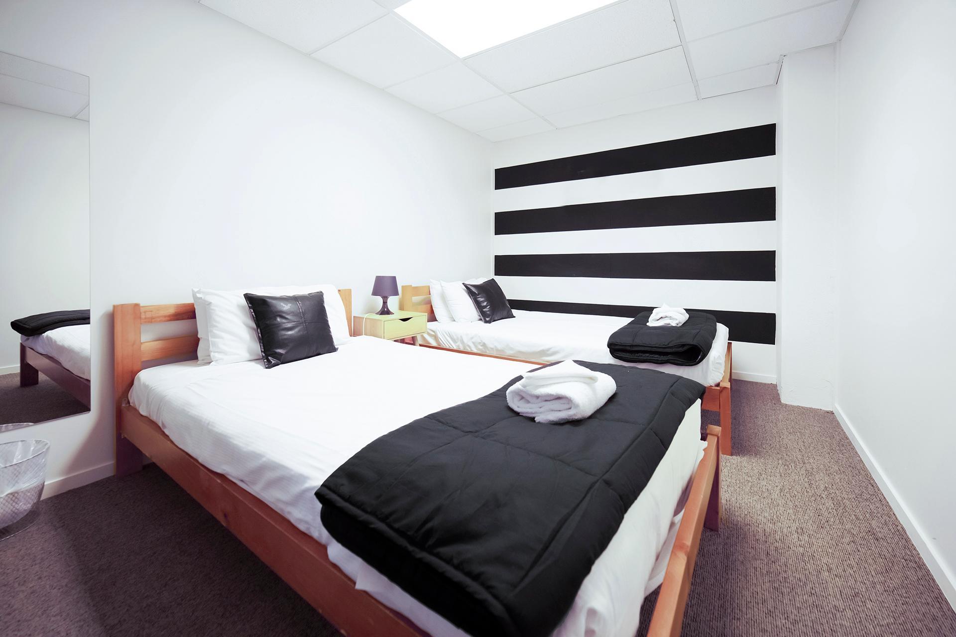 The Setup On Dixon Wellington Booking Deals Photos Reviews