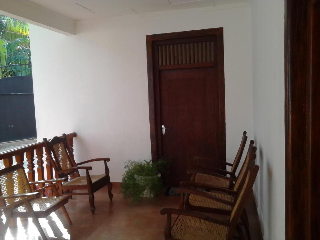 Standard Double - Dining room/area Bandhusena House and Apartment