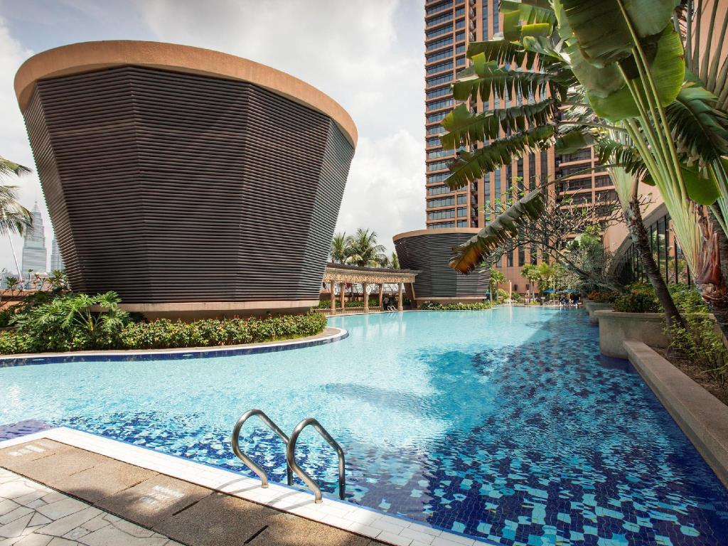 Swimming pool [outdoor] Sunbow Service Suites at Times Square Kuala Lumpur
