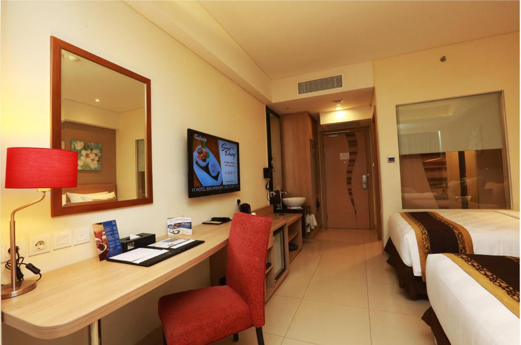 Superior Twin - Room plan Golden Tulip Galaxy Hotel Banjarmasin