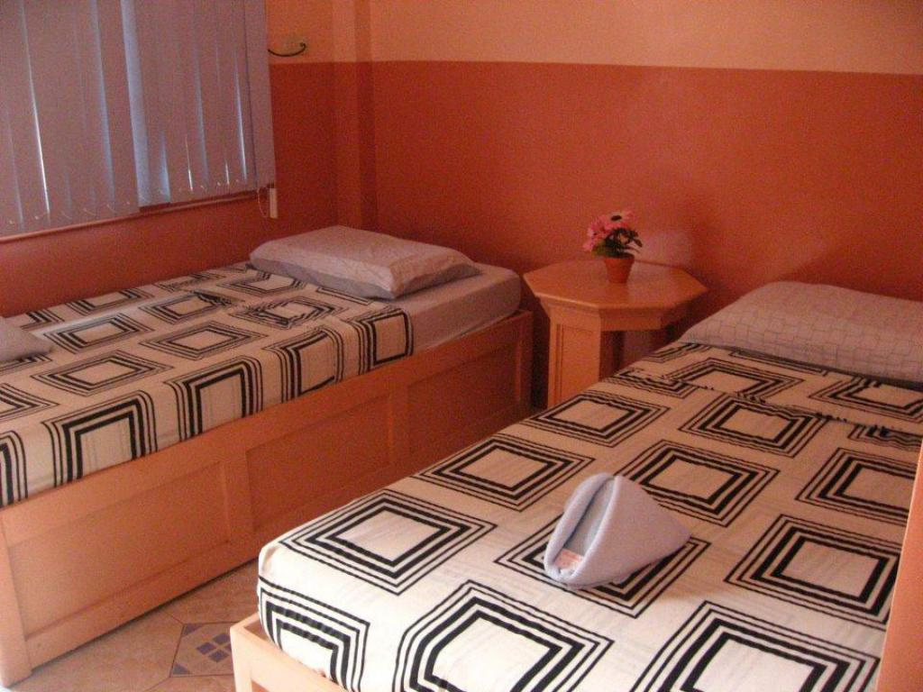 Twin Room - Bed Have Pension Hauz